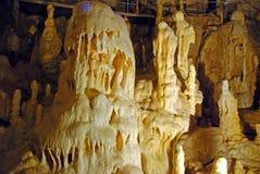 Estalagmita espléndida en cueva Imágenes de archivo libres de regalías