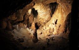 Estalagmite da caverna no undergorund fotografia de stock