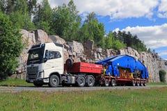 Estaleiro Crane Component dos transportes de Volvo FH16 750 semi Fotografia de Stock