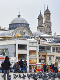 Estambul, cuadrado de Taksim Iglesia ortodoxa griega de Hagia Triada en t Imagenes de archivo