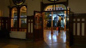 Estambul, estación, ferrocarril, pavo, tren, viaje de la estación de tren de Sirkeci un restaurante Un café almacen de metraje de vídeo