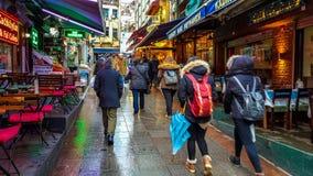Estambul, Turquía - 24 de diciembre de 2016: Vista general de las calles de Kadikoy Foto de archivo