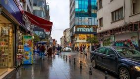 Estambul, Turquía - 24 de diciembre de 2016: Vista general de las calles de Kadikoy Foto de archivo libre de regalías