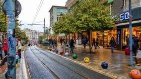 Estambul, Turquía - 24 de diciembre de 2016: Vista general de las calles de Kadikoy Fotos de archivo libres de regalías