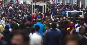 ESTAMBUL, TURQUÍA - 23 de julio de 2016: Calle de Istiklal, Taksim Timelapse almacen de metraje de vídeo