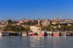 Estambul, Turquía - 23 de octubre de 2017: Estrecho de Bosphorus, Estambul, Turquía Imagen de archivo