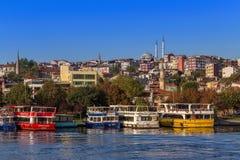 Estambul, Turquía - 23 de octubre de 2017: Estrecho de Bosphorus, Estambul, Turquía Fotografía de archivo libre de regalías