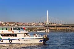 Estambul, Turquía - 23 de octubre de 2017: Estrecho de Bosphorus, Estambul, Turquía Fotografía de archivo
