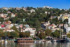 Estambul, Turquía - 23 de octubre de 2017: Estrecho de Bosphorus, Estambul, Turquía Foto de archivo libre de regalías