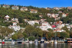 Estambul, Turquía - 23 de octubre de 2017: Estrecho de Bosphorus, Estambul, Turquía Imagen de archivo libre de regalías