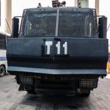 Estambul, Turquía, septiembre de 2018: Vista delantera marcial de un vehículo acorazado negro de la liquidación de la policía tur foto de archivo