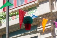 Estamenha, bandeiras e decorações da manjericão para comemorar o festival de Joao do Sao midsummer imagens de stock royalty free