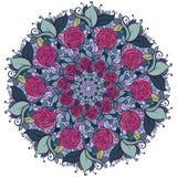 Estampado de flores caleidoscópico, mandala con las rosas y hojas aisladas en el fondo blanco Fotografía de archivo