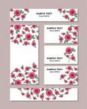 Estampados de plores de diversos tamaños con las rosas estilizadas, con los ramos de rosas hermosas Para el diseño romántico y de stock de ilustración