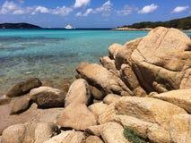 Estancia maravillosa en una playa hermosa Cerdeña fotos de archivo