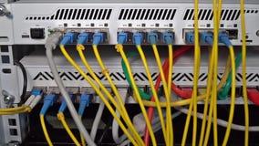 Estante con el eje de Internet
