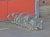 estante de bicicleta Fotografía de archivo libre de regalías