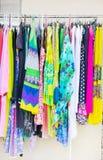 Estante de la ropa Foto de archivo libre de regalías