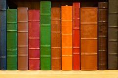 Estante de libros Fotografía de archivo libre de regalías