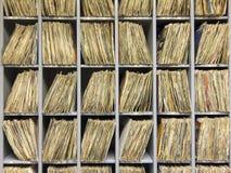 Estante de los expedientes de vinilo Fotografía de archivo libre de regalías