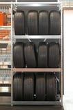 Estante de los neumáticos Fotografía de archivo libre de regalías