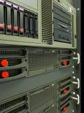 Estante de los servidores del ordenador del centro de datos Foto de archivo libre de regalías