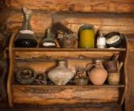 Estante de madera con el pedazo viejo Foto de archivo