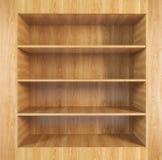Estante de madera en blanco Fotos de archivo libres de regalías