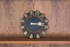Estante de madera de la decoración del vintage, estilo retro Fotografía de archivo