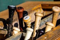 Estante del bate de béisbol Imágenes de archivo libres de regalías