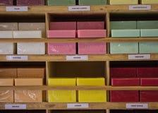 Estante del jabón en la tienda Imagen de archivo