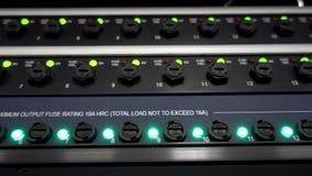 Estante del servidor con los fusibles almacen de video