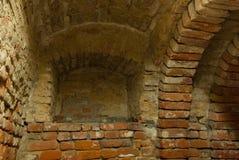 Estante en sótano medieval Fotografía de archivo libre de regalías
