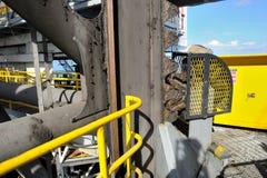 Estante y piñones/engranajes en el enchufe encima de la plataforma petrolera Fotografía de archivo