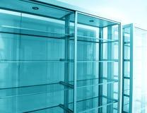 Estantes de cristal, vacíos Foto de archivo