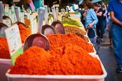 Estantes de las especias en Carmel Market Foto de archivo libre de regalías