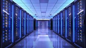 Estantes del servidor en centro de datos del sitio del servidor