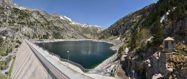 Estany de Cavallers dans les Pyrénées espagnols Photographie stock libre de droits