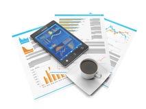 Estatísticas de negócio em seu telefone móvel Fotografia de Stock Royalty Free