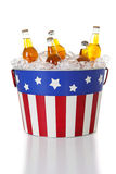 Estate: Birra in un secchio patriottico Fotografie Stock Libere da Diritti