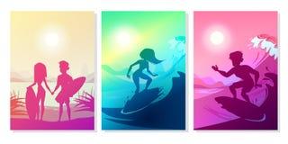 Estate che pratica il surfing all'illustrazione di vettore dell'oceano royalty illustrazione gratis