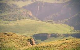 Estate del paesaggio delle montagne di vista aerea Fotografia Stock