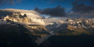 Estate nelle alpi delle Wallis Fotografia Stock