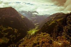 Estate nelle montagne svizzere - alpi di Bernese Fotografie Stock Libere da Diritti