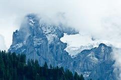 Estate nelle montagne svizzere - alpi di Bernese Fotografia Stock