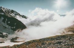 Estate nuvolosa del paesaggio di Rocky Mountains Fotografie Stock