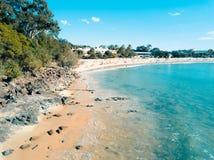 Estate principale della spiaggia di Noosa immagini stock libere da diritti