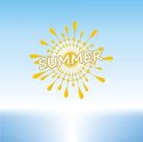 Estate Sunny Day su una spiaggia tropicale Immagini Stock Libere da Diritti