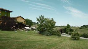 Estate in villa Sparina, Gavi, Italia al rallentatore stock footage