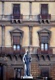 Estatua. Fotografía de archivo